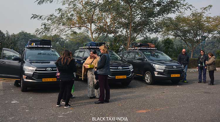 black-taxi-chandigarh